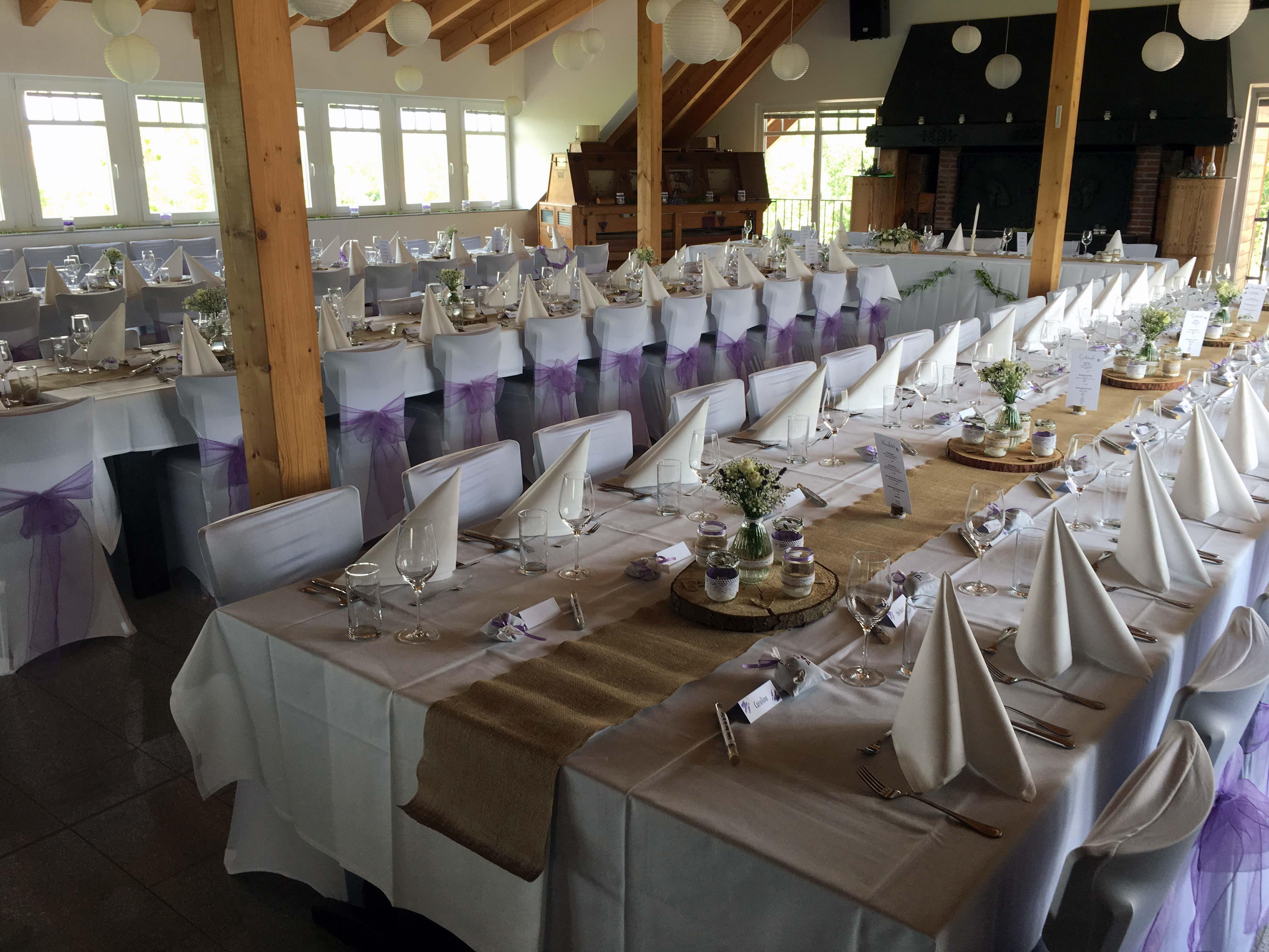 Individuelle Hochzeits-Tischdekoration