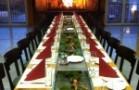 Tisch für 20 Personen vor dem offenen Kamin - Rechaud-Tisch mit Wasserrinne